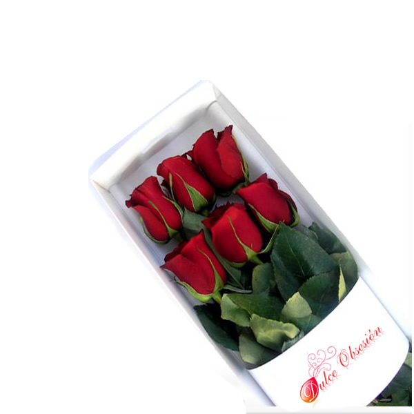 Lima natural flowers, red roses in lima, box with 6 natural roses, lima flowers, lima roses, Peruvian flowers, flowers for friends in Lima