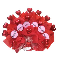 Personalized gifts with chocolate, delivery of gifts in Lima, gifts for lovers in Lima, peru gifts, chocolate hearts for gift, anniversary gift, lime delivery, gift for mama in Lima