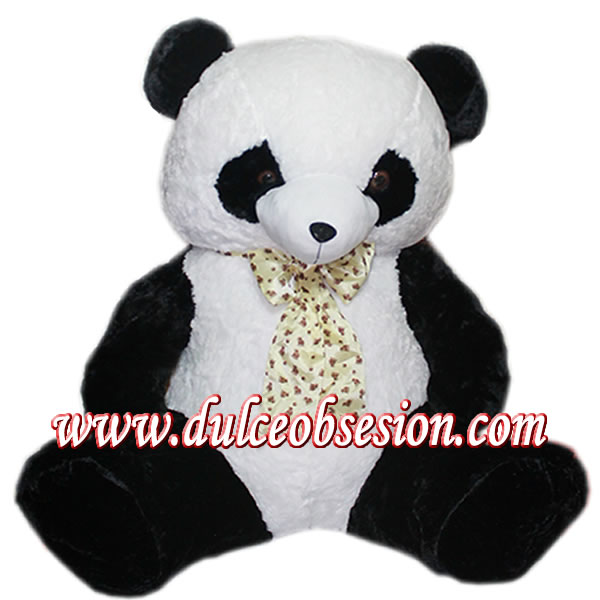 Giant panda stuffed animals, large lima stuffed animals, giant lime cuddly toys, stuffed animals, plush gifts, panda plush bear, giant stuffed bear, plush peru gift, peru stuffed animals, stuffed animals in peru, stuffed animals in Lima