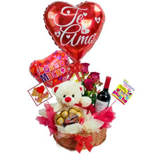 gifts for lovers, delivery of Lima gifts, gifts for Lima anniversary, gifts for Valentine's Day, gifts with stuffed animals for lovers, large stuffed animals with roses, gift shop Lima, delivery of roses, flowers delivery, gift delivery