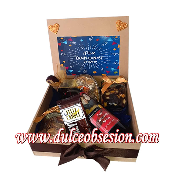 Gifts for them in Lima, gift box with personalized wine, gift box, birthday gifts, anniversary gifts, gift delivery, gift delivery in Lima Peru, gifts for men, chocolate gifts for potatoes, gifts for men, gifts for father's day, corporate gifts, gifts in peru, father's day gift,