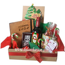 Christmas gifts, Christmas baskets, Christmas basket delivery, secret friend gifts, Christmas gift delivery, Christmas chocolates Peru, corporate Christmas gifts, Lima gift delivery, Peru gifts, Christmas gifts for Lima companies